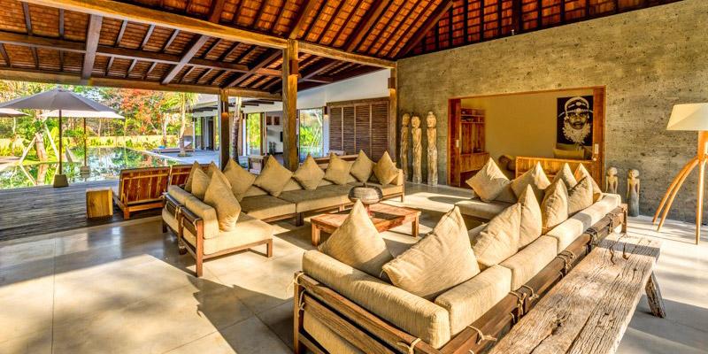 sanctuary-custom-wood-furniture-001-living