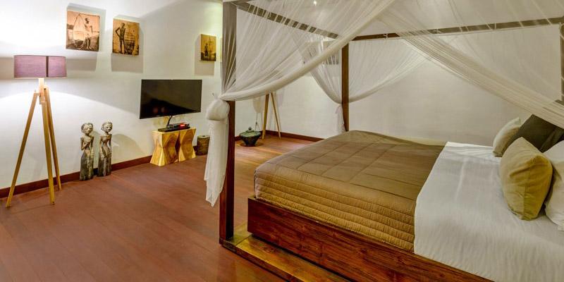 sanctuary-custom-wood-furniture-007-bedroom